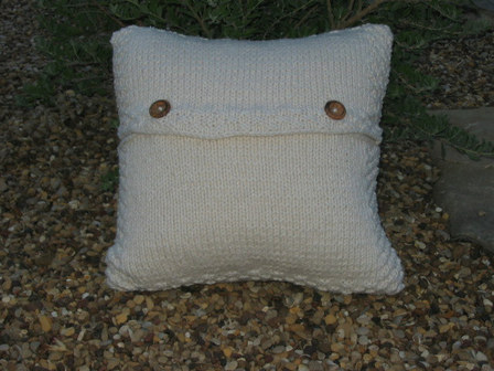 Pillow_back_4
